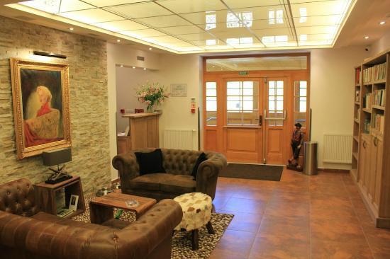 Rezidence Golf: Reception & Lounge