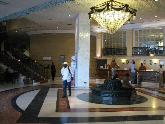 Hilton Nairobi: lobby
