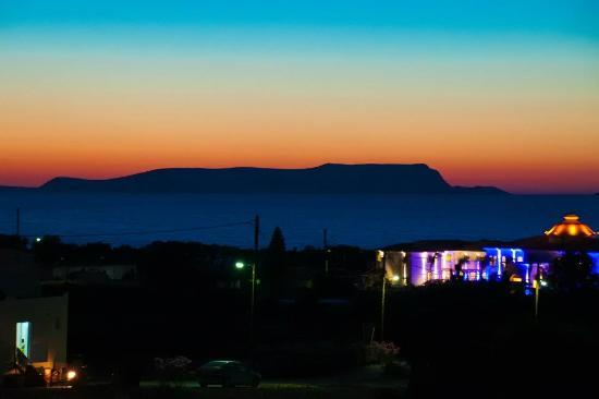 SuneoClub Chrissi Amoudia: after sunset from hotel yard