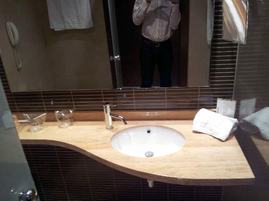 Hotel Las Artes: Cuarto de baño