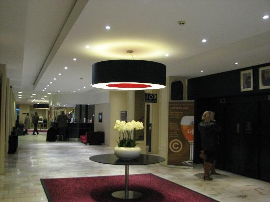 Ramada Plaza Liege City Center: lobby