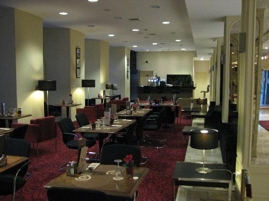 Ramada Plaza Liege City Center: bar/coffee shop
