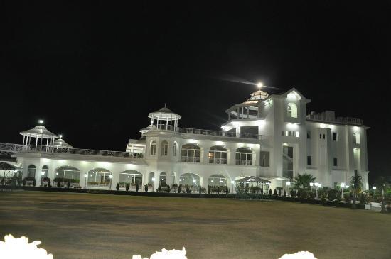 Kandaghat, Индия: Main hotel building