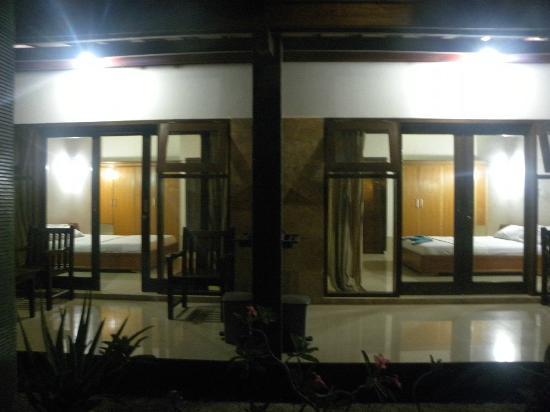 Malino Homestay: Night View