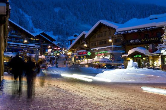 Mont Gele Verbier : Town at night