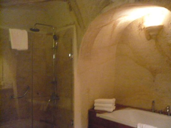 Fresco Cave Suites/Cappadocia: one part of our bathroom