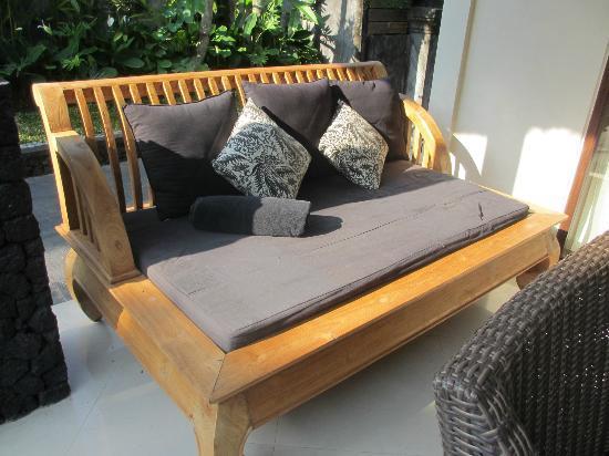 KajaNe Mua Private Villa & Mansion: Sofa in front of the room