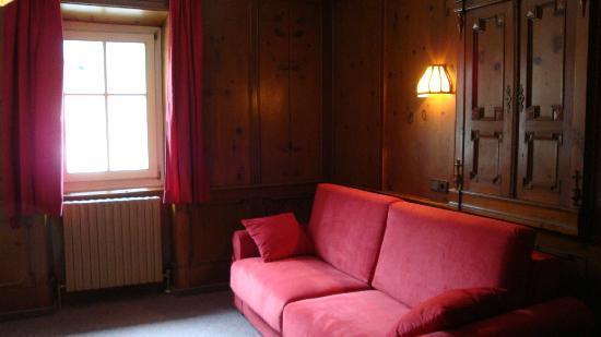 Camere Con Divano Letto : Camera da letto con divano letto matrimoniale foto di residenze