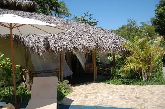Clandestino Beach Resort: our room