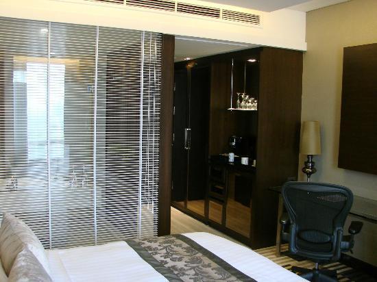 โรงแรม เดอะแลนด์มาร์ค กรุงเทพฯ: Mini bar