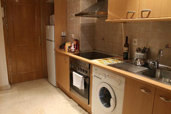 Apartamentos Caballero de Gracia : Cozinha