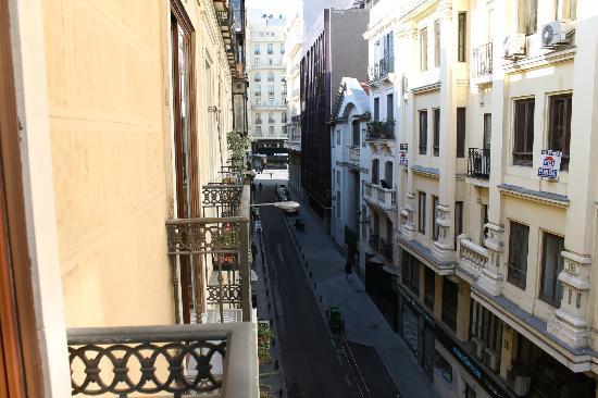 Apartamentos Caballero de Gracia: Vista da sacada