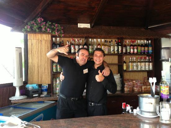 Hotel Arena : Alvaro and Luca in the pool bar
