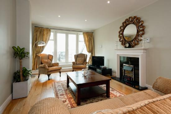 Jameson Court Apartments: Two Bedroom Penthouse Apartment sleeps 4 - Living Room