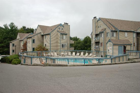 The Summit of Gatlinburg: Outdoor pool area