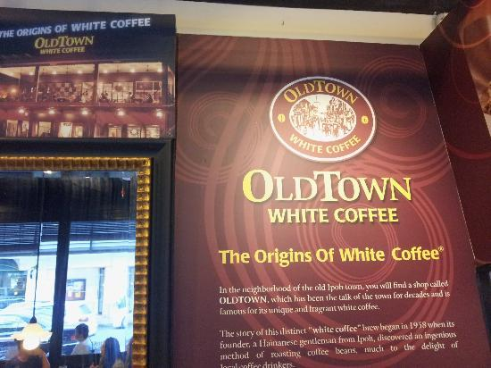 Oldtown White Coffee: Store counter