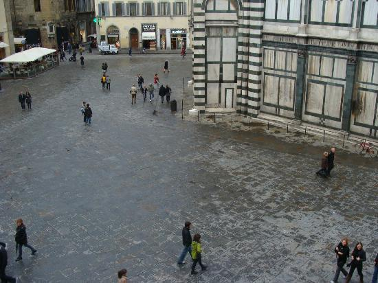 A Florence View B&B: view down from our room