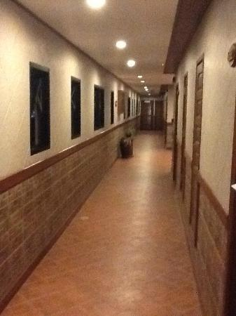 Huahin Loft Hotel: Hallway