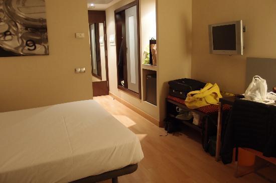 โรงแรมคอนฟอร์เทล ออดิทอริ: Chambre bis bis