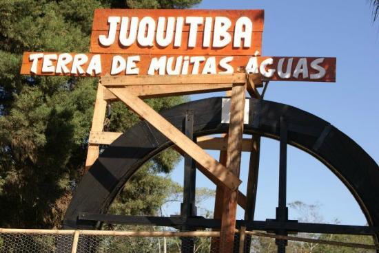 Juquitiba, SP: Roda d'água na Aldeia do Artesanato