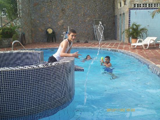 Hotel Castillo El Milagro: MIS HIJOS EN EL DISFRUTE TOTAL 