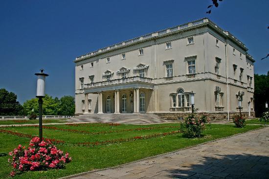 White Court/Beli Dvor : White Palace