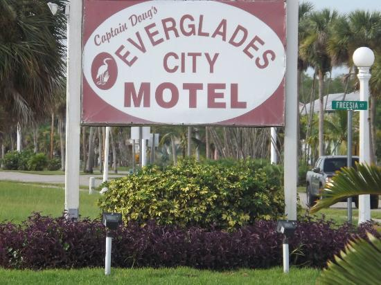 Everglades City Motel: Arriving........