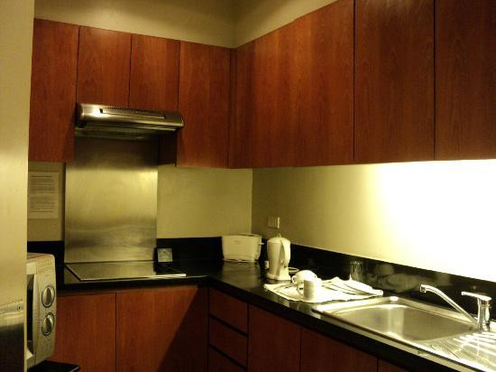The Linden Suites: 3 bedroom suite kitchen area