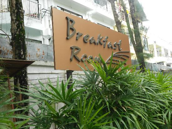 Banthai Beach Resort & Spa: breakfast room