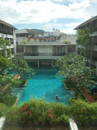 Banthai Beach Resort & Spa: pool view from elevator