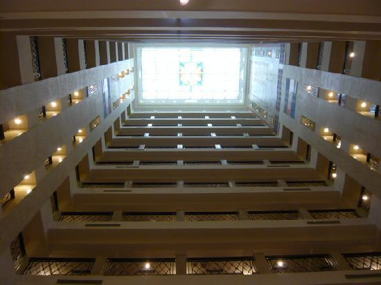 Imperial Hotel Taipei: Imperial atrium, skylight