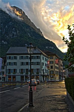 Hotel Glarnerhof: Just outside the hotel turning right.