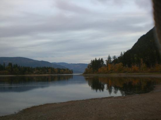 HI-Shuswap Lake Hostel: Lake Shuswap