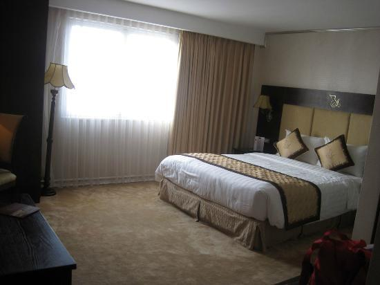 Angel Palace Hotel: The Honey Moon suite