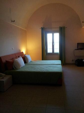 Atrium Villa: Huge Bedroom with the double bed :)