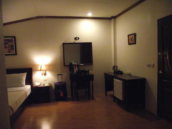 Boracay Royal Park Hotel : huge room
