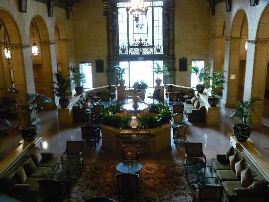 Millennium Biltmore Hotel Los Angeles: Vue sur un des halls d'entrée