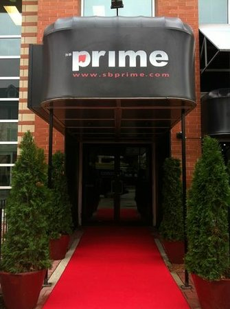 SB Prime : 390 Brant Street, at Elgin