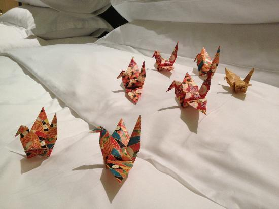 The Okura Prestige Bangkok: Origami in the room