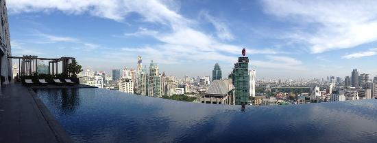The Okura Prestige Bangkok: Infinity Pool