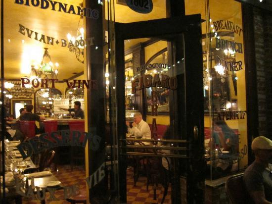 Figaro Bistrot: Come on in!