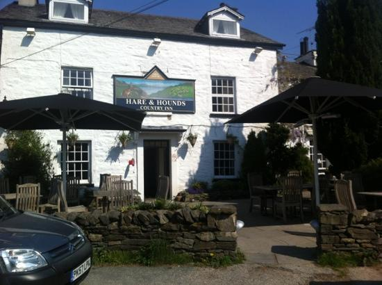 The Hare and Hounds Restaurant : perfect for outside drinking/ dining
