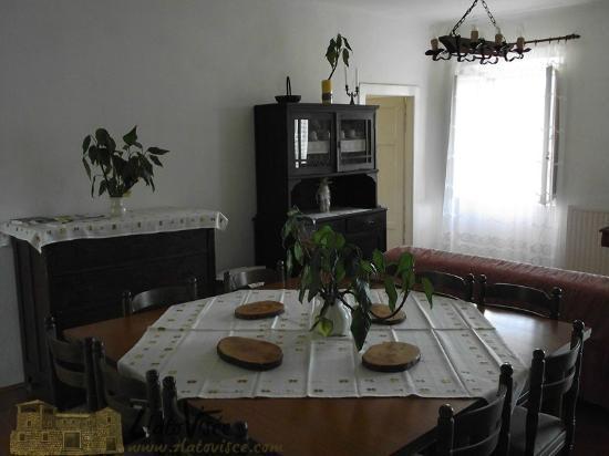 Konavle Apartments Zlatovisce: Living room