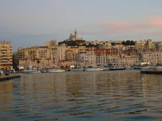 Marseille la nuit photo de marseille bouches du rhone for Marseille bdr