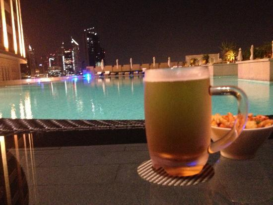 Address Dubai Mall: Refreshments at poolside!