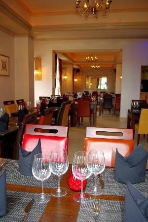 The Metro: Restaurant