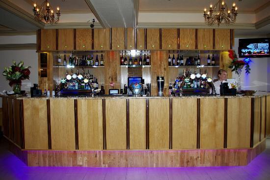 The Metro: Bar