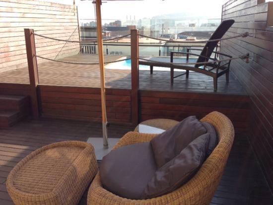 كاتالونيا رامبلاس: Terasse et piscine privé de la suite 