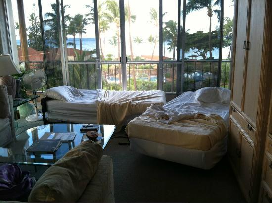 "Aston Maui Kaanapali Villas: Aston considers this to be acceptable ""bedding options"""