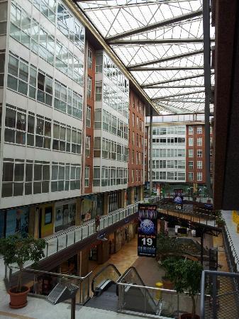 Hotel Exe Area Central: Vista del Interior del Centro Comercial desde el Primer Piso, donde se encuentra el Comedor